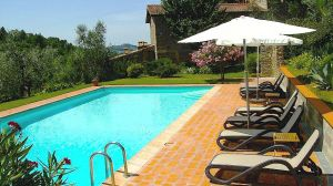 Vacation accommodation with pool in Chianti