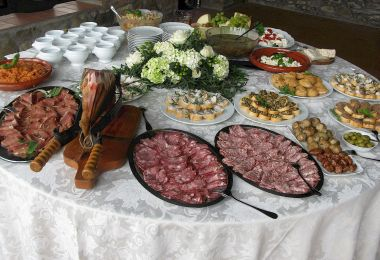 Tuscany wedding buffet